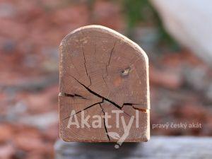 Hranol dřeva akátová prisma 2